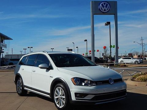 Certified Pre-Owned 2017 Volkswagen Golf Alltrack TSI SE 4Motion